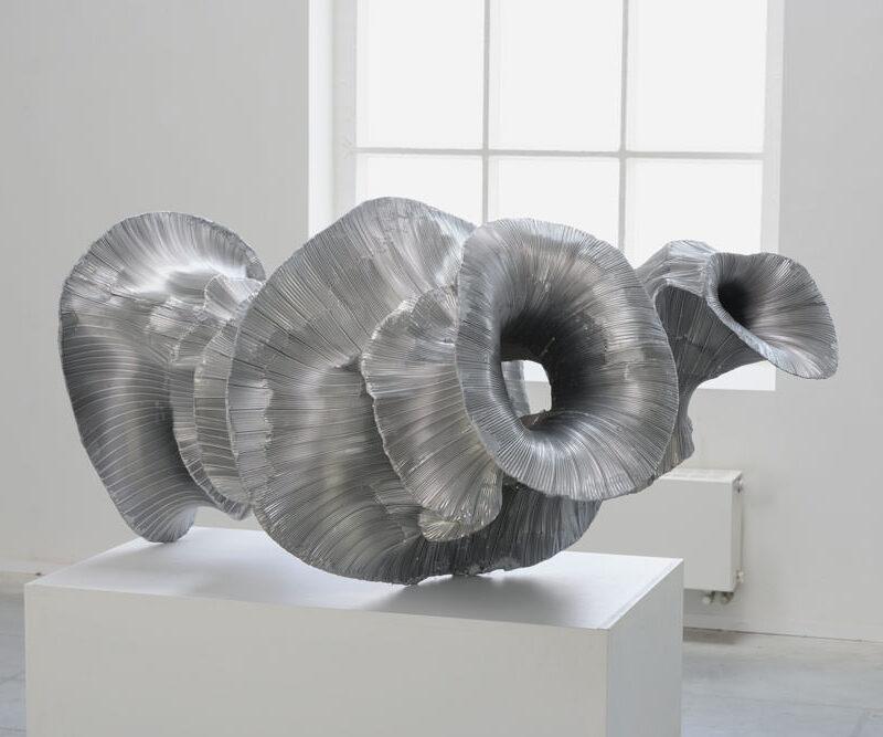 hibernation, aluminium object op sokkel, 160 x 110 x 90 cm., 2019
