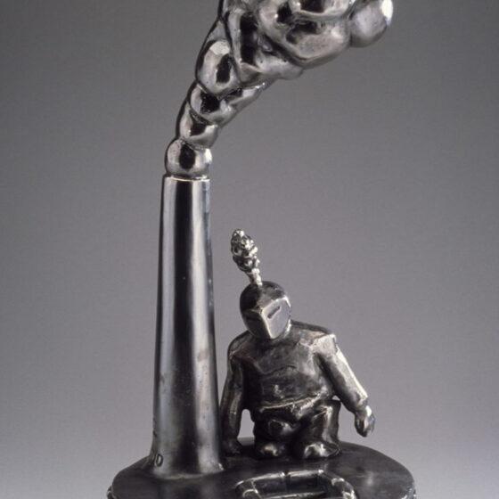 Going home, 2020, Verzilverd brons, 50 x 26 x 26 cm.