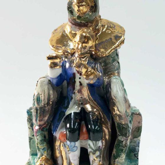 Maartse haas 2, 2020, Keramiek, goudluster, 22 cm