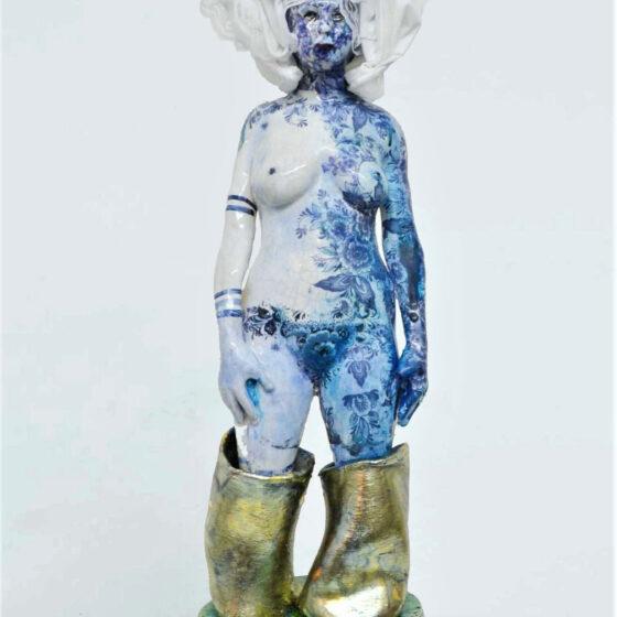HOOG WATER, 2020 Keramiek, katoen, bladkoper h. 62 cm.