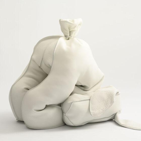 DoggyBag, 2021, leer, 69 x 69 x 69 cm