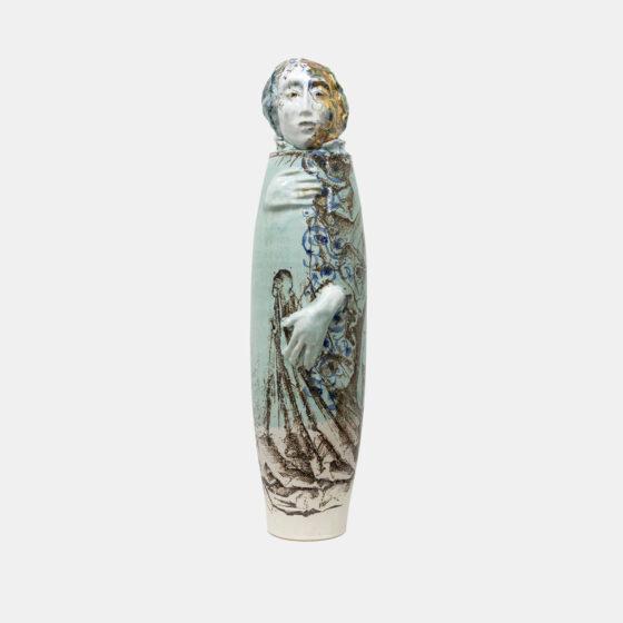 Sister of Mercy, 2021, keramiek, goudluster, H 60 cm